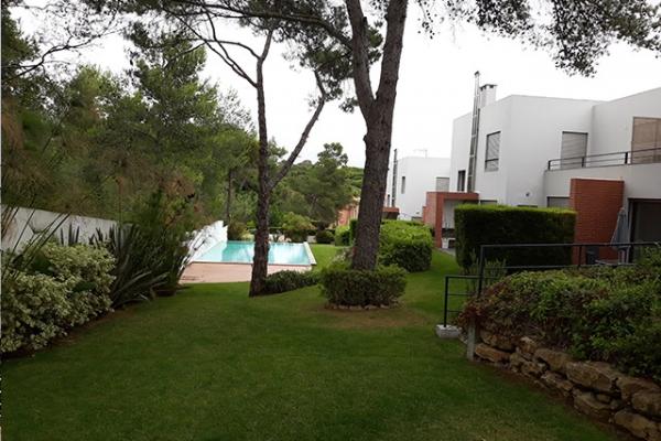 Vista da piscina 1